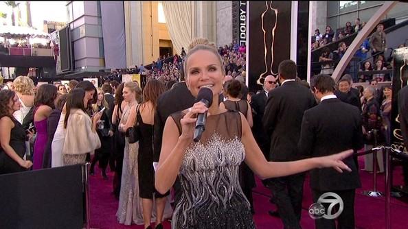 Kristin+Chenoweth+2013+Oscars+85th+Academy+RnijeYMcQKxl