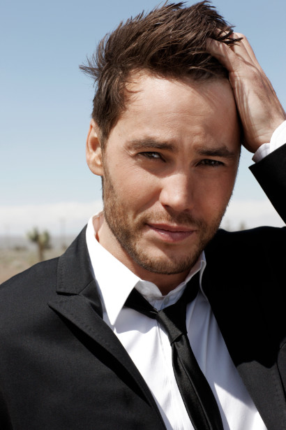 taylor kitsch blind item