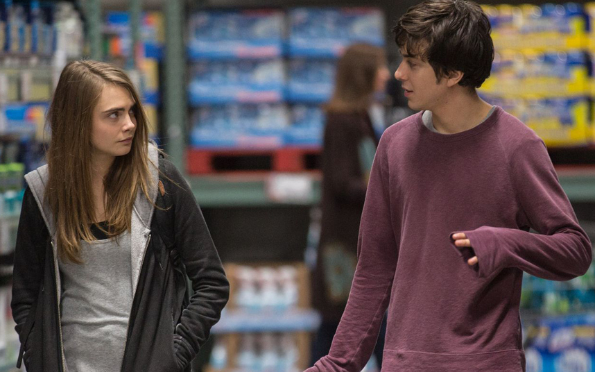 Summary of paper towns movie