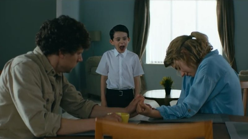 """Movie Review: Imogen and Eisenberg, trapped in """"Vivarium"""" 